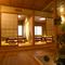 贅沢な総檜造り。座敷やカウンターも粋を凝らしています