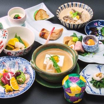 【お昼】湯豆腐会席5,000円【1階ホール】