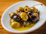 ボリューミーで野菜たっぷり!『マルチ―の具沢山ごちそうサラダ』