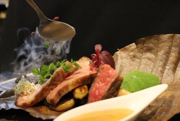 熟成黒毛和牛(いわて門崎丑牧場)低温調理 津軽りんご醤油のエスプーマ