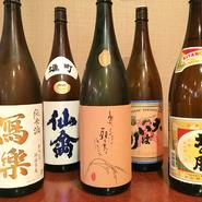 お酒好きの店主が厳選した日本酒は、『萬歳』『若葉』など北海道では珍しいものがずらり。女性にも飲みやすいものもご用意しているので、ぜひ気軽に聞いてみてください。
