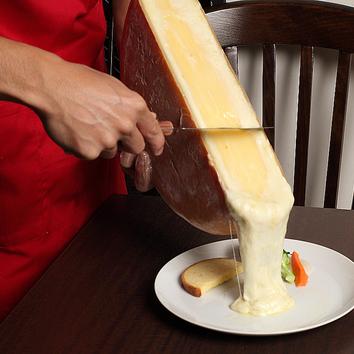 【ランチ 2号店で営業】ラクレットチーズセット スイスの食事付