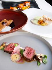 メインはお魚orお肉料理が選べます。ボリューム感がちょうどよく、ご夫婦や女子会、ご家族などでどうぞ。