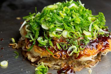 広島流お好み焼の中でも、最も広島らしいお好み焼。まさに『王道』