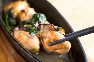 香ばしさに食も酒も進む『牡蠣のバターじょうゆ広島産じゃけぇ』
