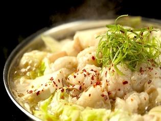 ニンニク不使用で匂いを気にせず食べられる『元祖塩もつ鍋』