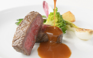 上質な肉の旨味を堪能できる『大和牛』