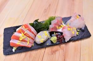 旬の美味しい魚を宮城から直送『石巻港直送鮮魚のお刺身』