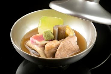 鴨と季節野菜の旨味が詰まった加賀の伝統料理『治部煮椀』