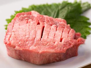 短角牛タンの、一番やわらかく上質な部位をステーキに