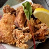臭みがなく脂肪の少ない地元ブランド鶏を自家製タレで味付た『伊勢赤鶏唐揚げ』