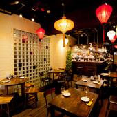 本場香港の雰囲気を大切にしたこだわりの空間で寛げます