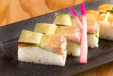 目にも美しい、関西の定番箱寿司『バッテラ』