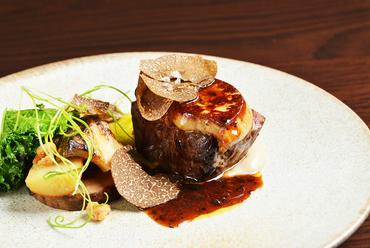 【シェフのお薦めフルコース】メインをロッシーニに、高級食材を使ったシェフお薦めのフルコースディナー。