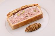 3日間かけてつくられた、味わい深いフランスの伝統料理『名物パテアンクルート』