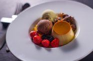 全て手づくりで贅沢な味わいの『プリンのパフェ』