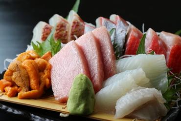 旬の魚を厳選した『刺身の盛り合わせ』