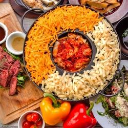チーズフォンデュをはじめ、お肉orチーズの選べるメイン・デザートまでチーズの魅力が詰まった人気プラン!