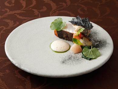 オマール海老の概念が変わると評判の『オマール海老のサラダ仕立て』