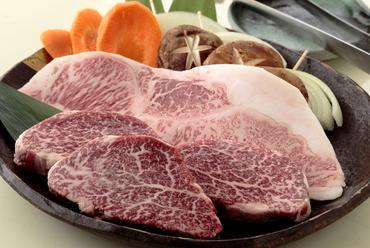 口の中でとろける食感がたまりません。お肉の旨みがたっぷりな『松坂牛ロース150』