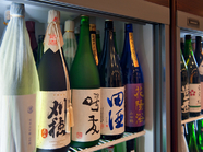 自慢の『日本酒』は全国47都道府県、各地の地酒が楽しめる充実の品揃え