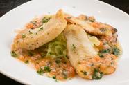 新鮮なお魚を堪能できる『季節の鮮魚のムニエル(フレッシュトマトビネガーソース)』