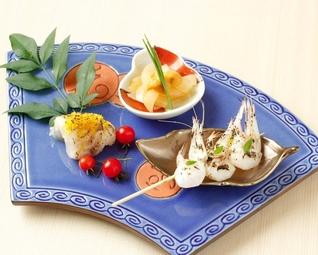お食事は、その日の仕入れ・旬に合わせて、全8品でご提供いたします。