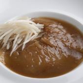 土鍋で炊いたご飯にのせて楽しみたい『上海風フカヒレの醤油煮込み 白ご飯とごいっしょに(150g)』