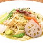 パンチェッタと季節野菜のペペロンチーノ