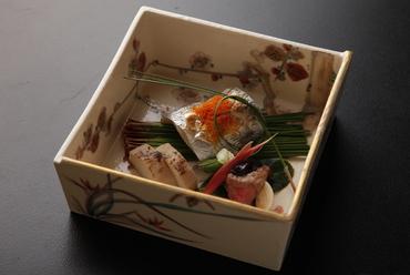旬の味わいを存分に生かした『太刀魚の焼き物』