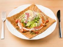 ランチでも味わえる、茨城県産のそば粉を使用した「ガレット」