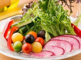 農家さんから直送される『新鮮野菜のバーニャカウダ』