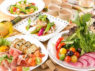 ディナーで楽しんでいただける、野菜にこだわった「前菜」の数々