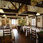 バスクのレストランを思わせる温かみのある雰囲気