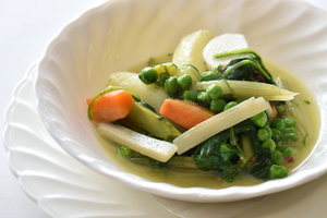 生ハムの旨みと野菜の優しい甘みが染み渡る『メネストラ』