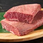 厳選素材の鉄板焼きは格別の美味しさ。接待にも最適