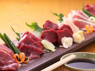 馬肉の本場、熊本県から新鮮な肉を仕入れています