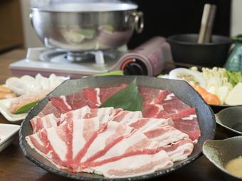 極上のアグー豚と島ぶたをお手軽価格で楽しもう! 90分飲み放題のお値打ちコースです。各種宴会にオススメ