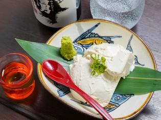 どんなお酒とも相性良し!自家製チーズ豆腐