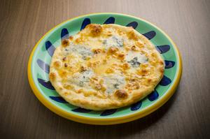 大人の味わいでクセになる『ゴルゴンゾーラのピッツァ はちみつがけ』