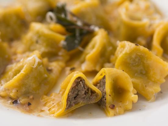 イタリア、ピエモンテ州の郷土料理を堪能