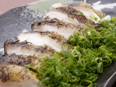 地元駿河湾の恵みを存分に楽しめる『地魚刺身盛り合わせ』