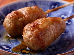 ジュワっと広がる肉汁がやみつきになる『つくね(タレ/塩)』