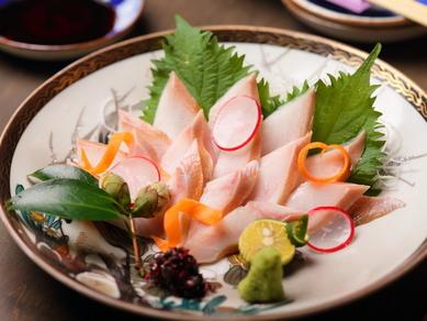漁場で-70℃で加工され、北海道から直送の『ほっけのお造り(北海道産)』