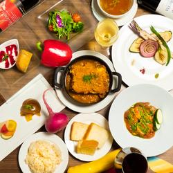 野菜ソムリエが厳選野菜を沢山使用した料理と人気の鶏肉料理か自家製のベジラザニアが選べる人気のコース!