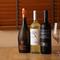 料理の美味しさを引き立てるリーズナブルなワインを用意