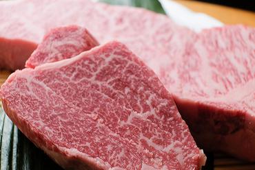 極上の旨味を心ゆくまで食せる『特選神戸牛ステーキコース』