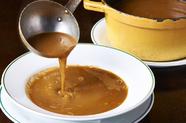 大量の魚介をじっくり煮込んだ『魚のスープ』
