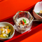 牛肉のそぼろになどの3品が供される『和田金三種盛』