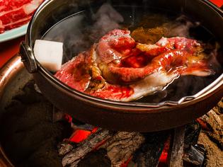 松阪牛の旨さに思わずため息がこぼれる伝統の『寿き焼』
